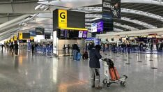 İngiltere,Koronavirüsün nedeniyle pazartesi sabah 4'ten itibaren ülkeye tüm giriş çıkışları kapatiyor
