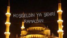 Türkiye'de Ramazan ayında ilk teravih namazı Bugün Akşam İlk oruca ise 12 Nisan gecesi Yarın kalkılacak.