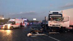 TEM Otoyolunda Zincirleme Trafik Kazası: Aynı Aileden 6 Kişi Hayatını Kaybetti