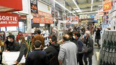 Koronavirus: Belçika'da randevu almadan açık kalabilecek işletme ve mağazaların listesi belirlendi
